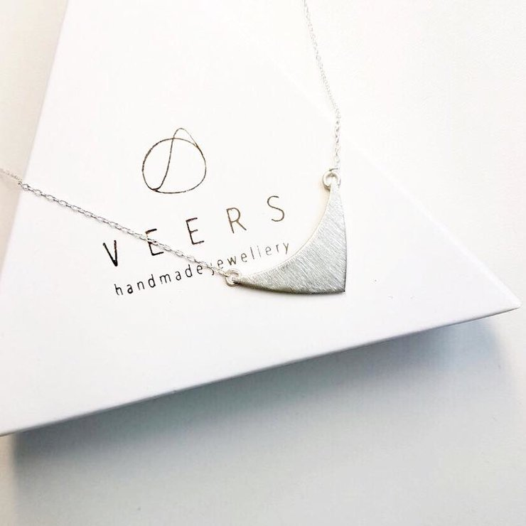 ROUND TRIANGLE PENDANT NECKLACE by VEERS.