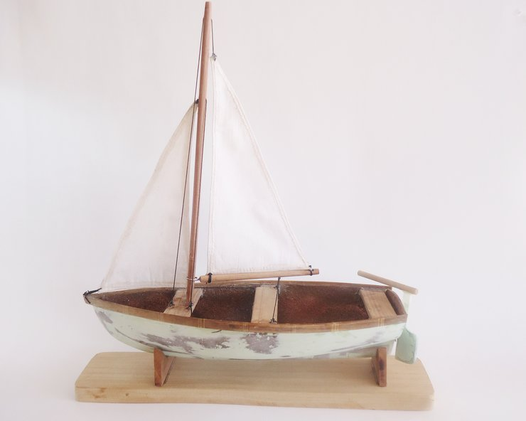 Sailing model boat small by Larijworks