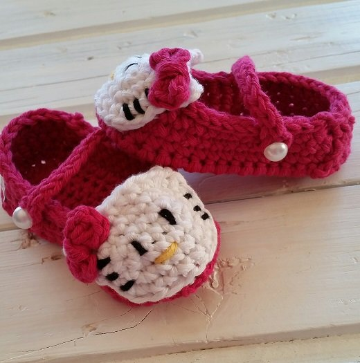 Hello Kitty baby sandals by Hekelliefde