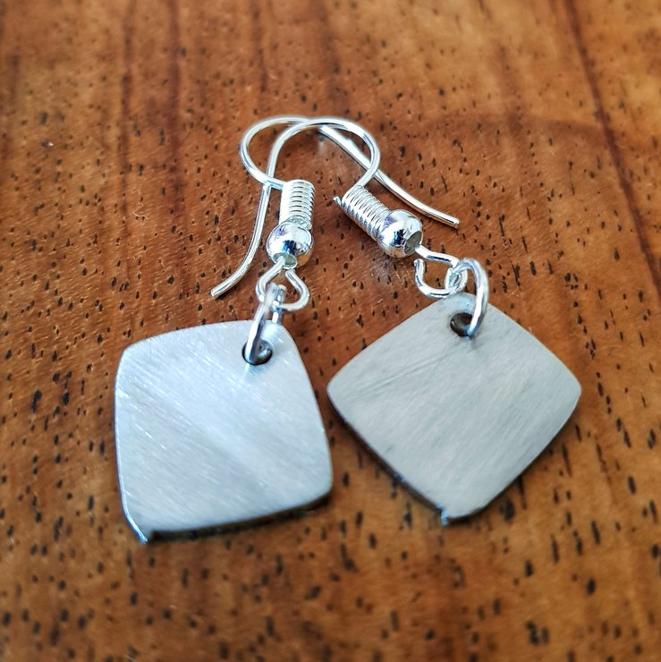 Rounded square earrings by Patrys Laser Cutting Designs
