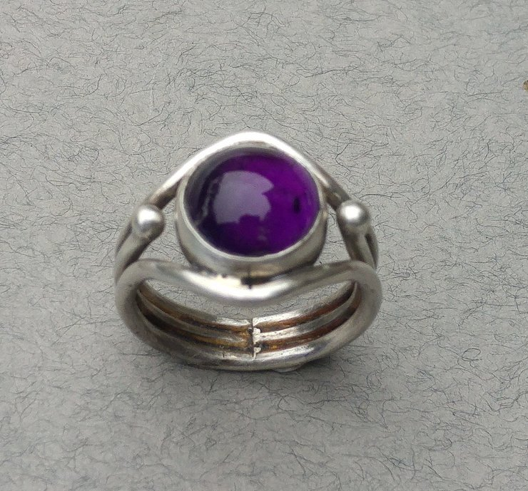 Amethist Sterling Silver Ring by Cecilia Robinson Jewellery