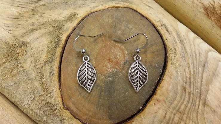 Leaf earrings by Crafty Gifts & Decor