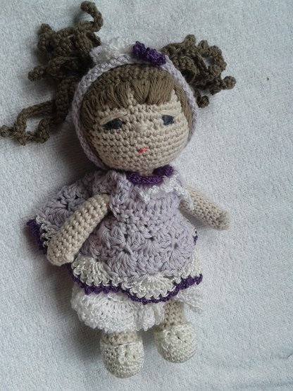 Amigurumi Little Doll-Free Pattern - Amigurumi Free Patterns | 555x416