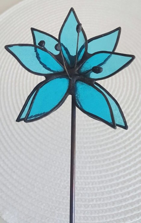 Flower on rod by Creative Stained Glass Designs