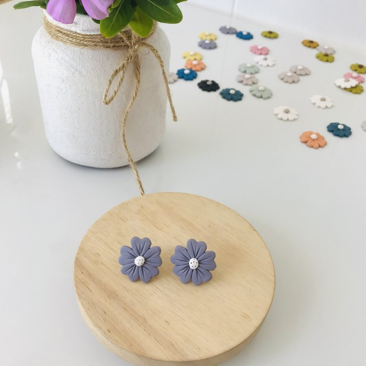 Flower Stud in Lilac by PrettyLittleLife