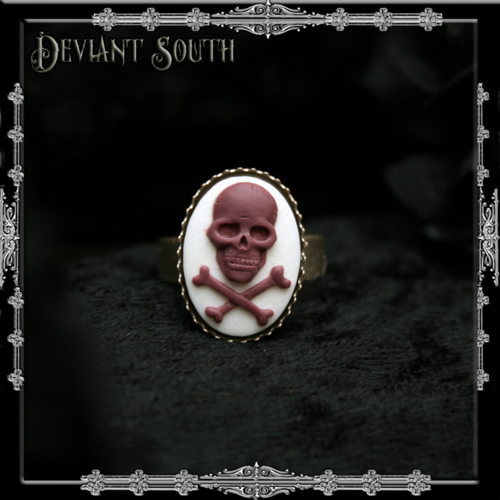 [ID229] Skull 'n Crossbones White & Purple 13x18mm Cameo Ring by Deviant South Avant-Garde Boutique