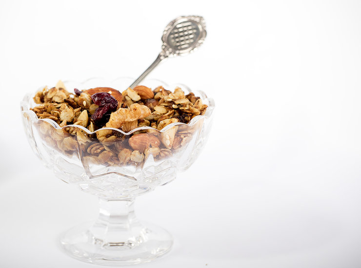 Berry Nutty Lactation Granola by The Mummary