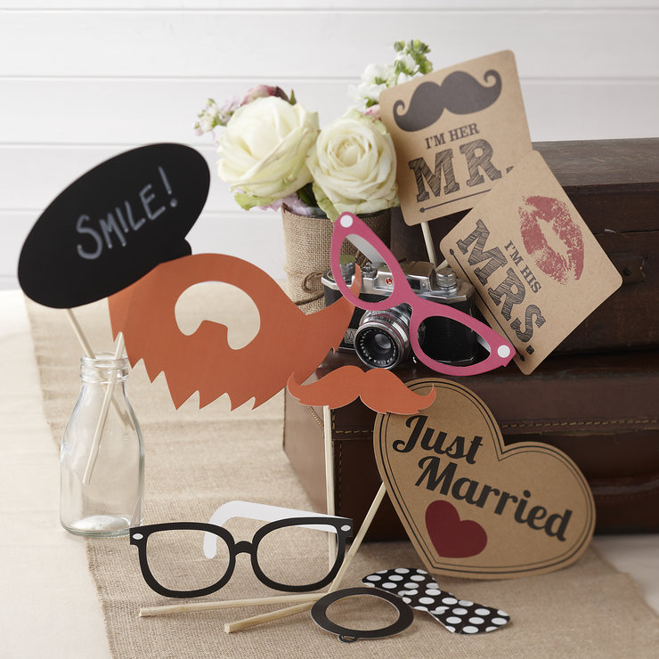Vintage Affair - Photo Booth Kit by Ginger Ray