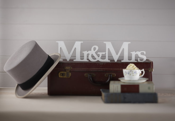 Vintage Affair - Mr & Mrs Wooden Sign by Ginger Ray