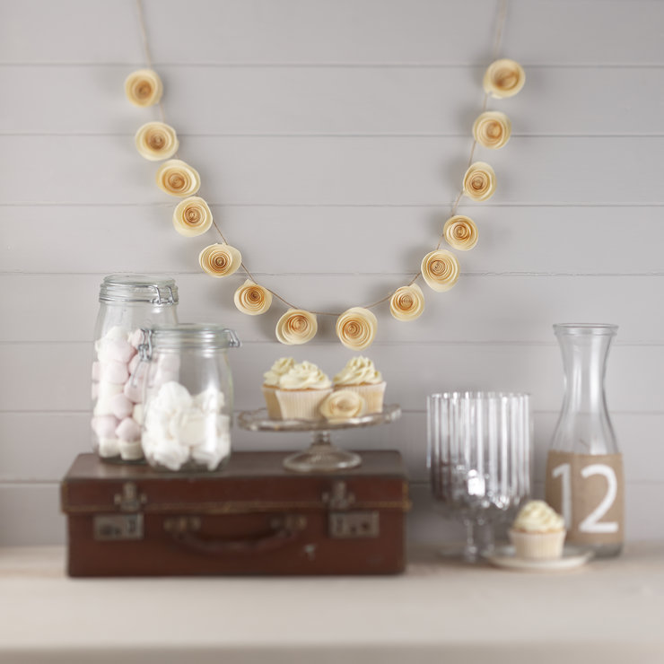 Paper Flower Garland Ivory by Ginger Ray