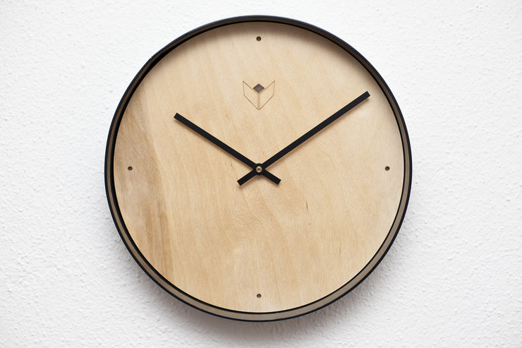 Clock with rim by MATWILDESIGN