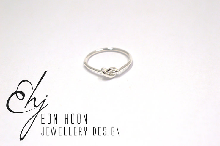 Sterling Silver single knot ring by Eon Hoon Jewellery Design