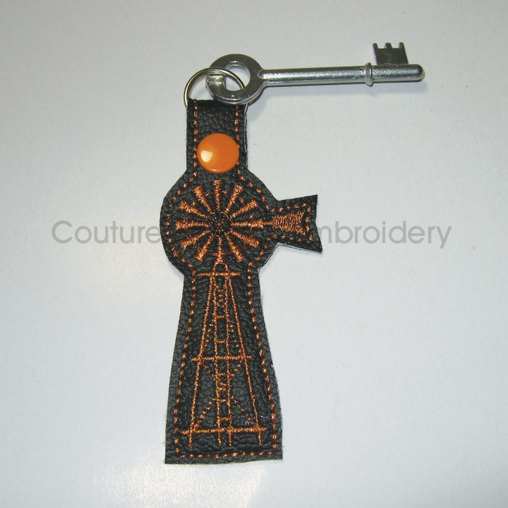 Bronze Farm Windmill Key Chain / Key Fob / Brons Windpomp Sleutelhouer by Couture Princess Embroidered Stuff