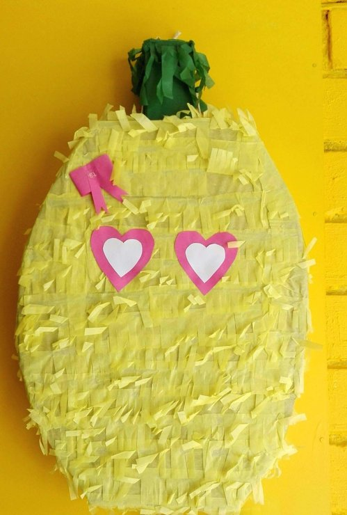 Pineapple Pinata by Piñatas Galore