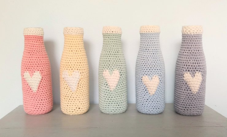 Heart bottles by PomPom Crochet