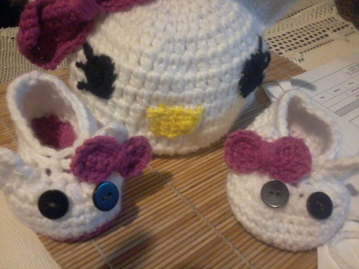 Hello Kitty beanie and shoe set by ab crochet designs
