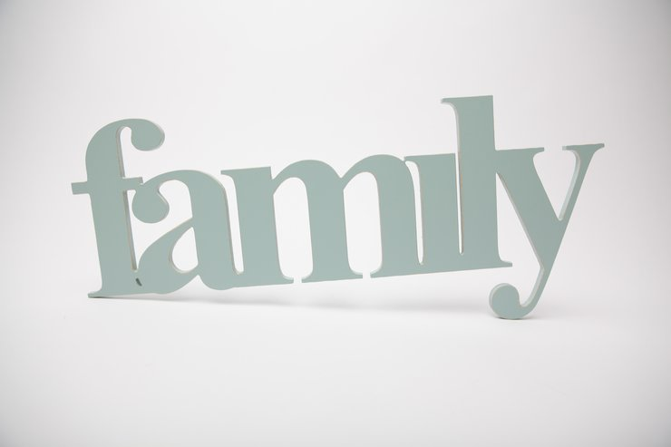 Wooden word - family  by Bokke & Blomme
