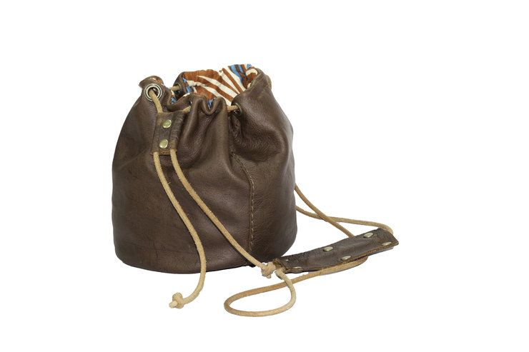 Pull up leather drawstring pouch by Armeez