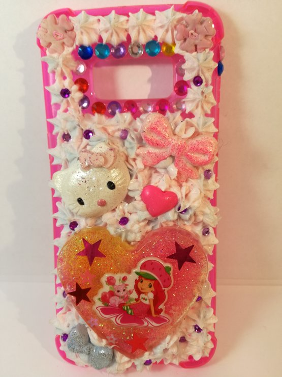 buy popular 723c7 ceb56 Hello Kitty heart cell phone cover