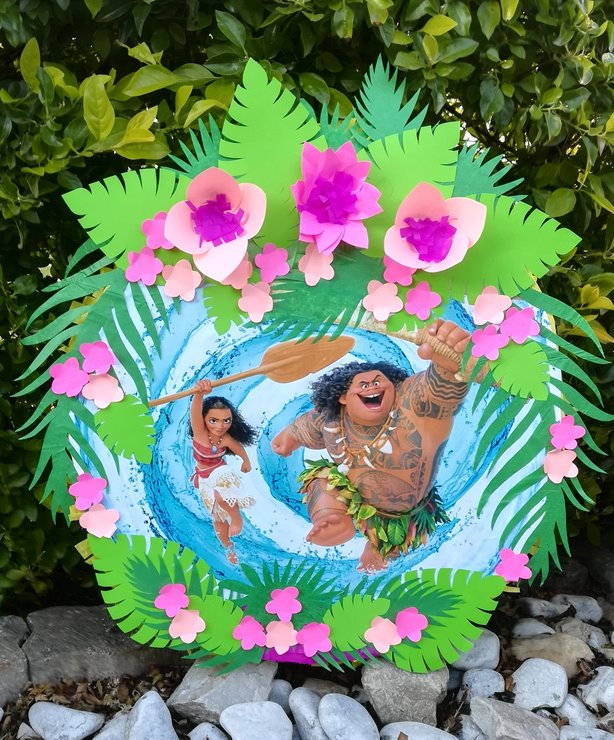 Moana and Chief Tui Pinata by Piñatas Galore