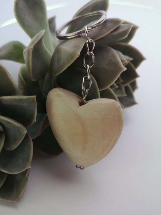 Wooden heart key chain by A life lead simply