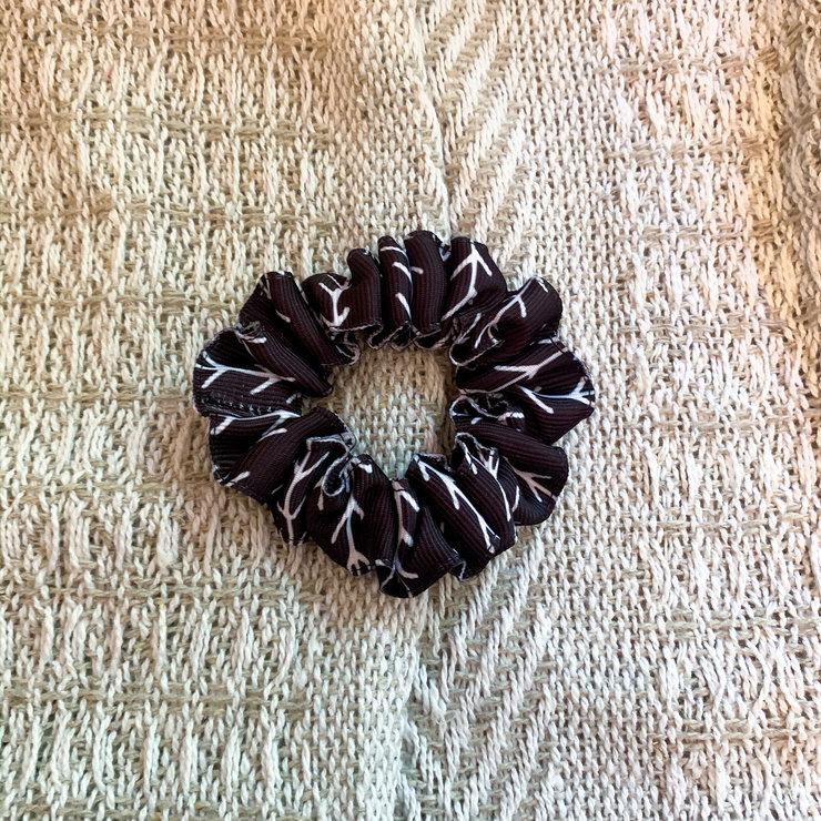 B&W Arrows Scrunchie by Willow Pet Accessories