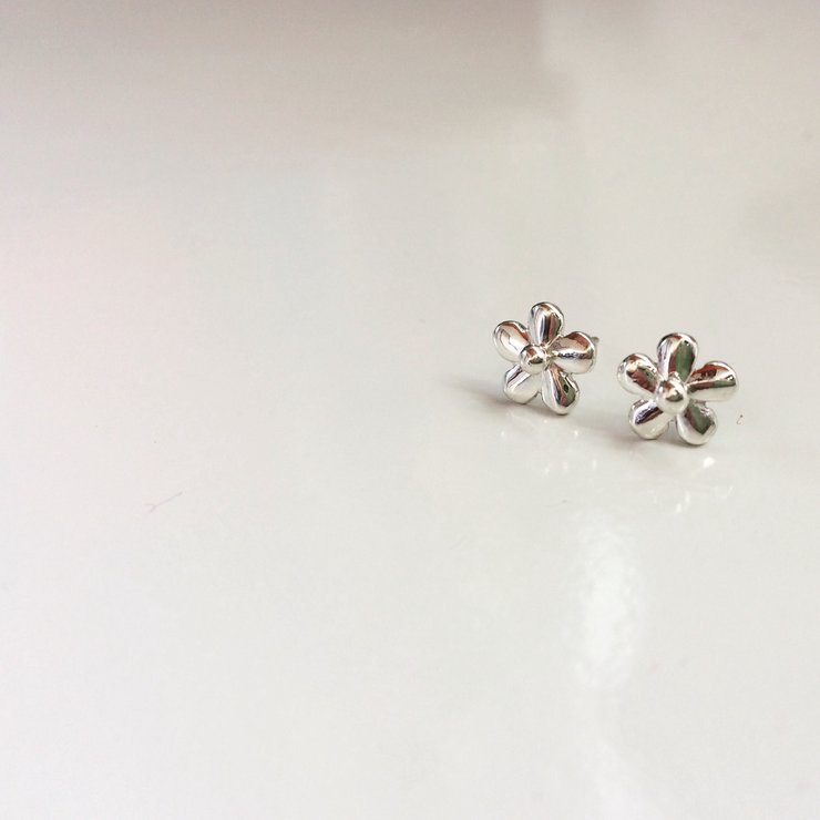52c61a11c Handmade Sterling Silver - Daisy Stud Earrings by Jessica Jane Jewellery