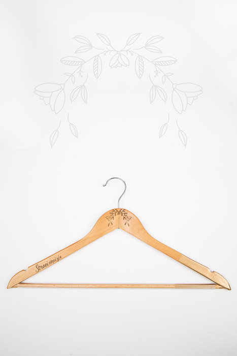 Strooimeisie - Clothes Hanger with a touch of gold by JCclick Shop