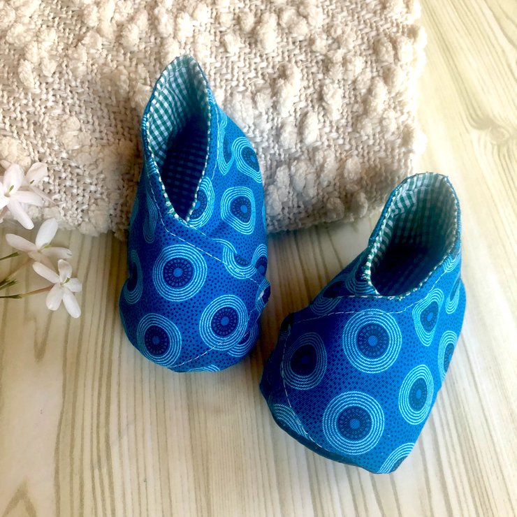 cf5552a4c1e9b Blue Baby Moccasins / African Shweshwe / Baby Shower Gifts / Winter Baby  Boots / Soft Sole Baby Shoes / Cloth Baby Shoes / Baby Boys