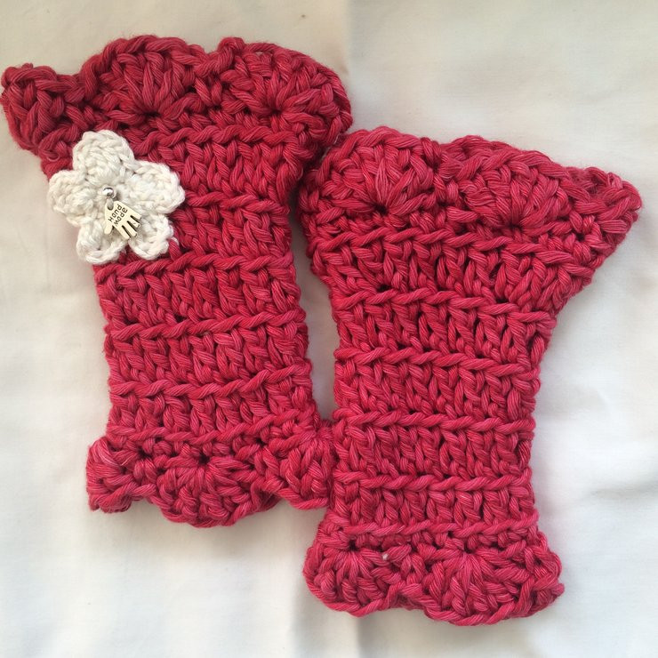 Crochet Miss Muffet wrist warmers in cotton and bamboo (larger kid / adult sizes) by Buglets by Barbs