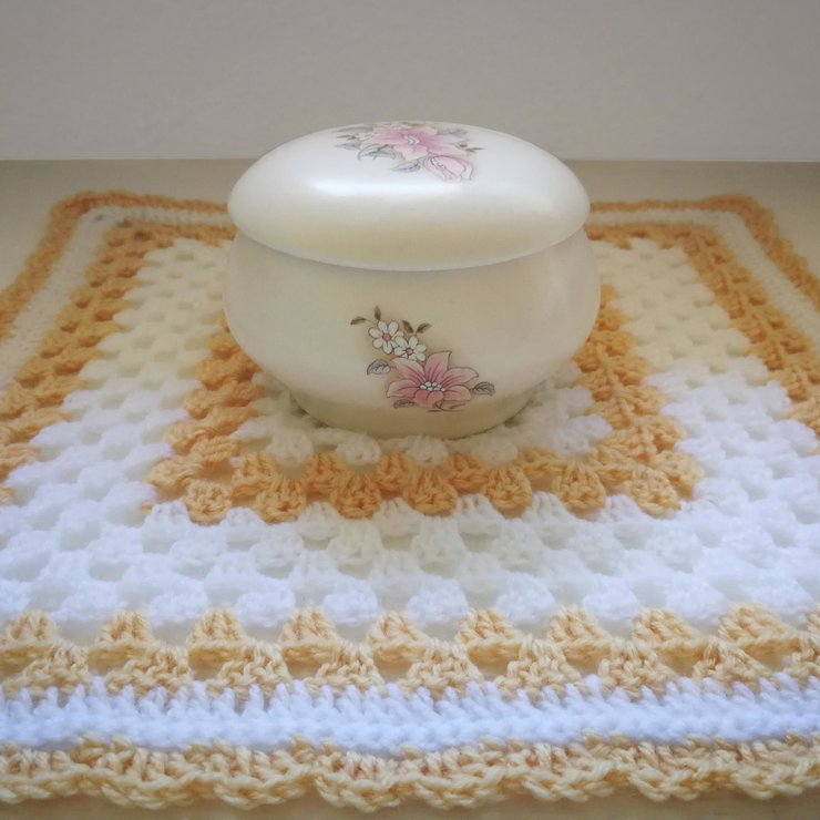 White And Beige Crochet Table Mat With Scalloped Edge Hello Pretty