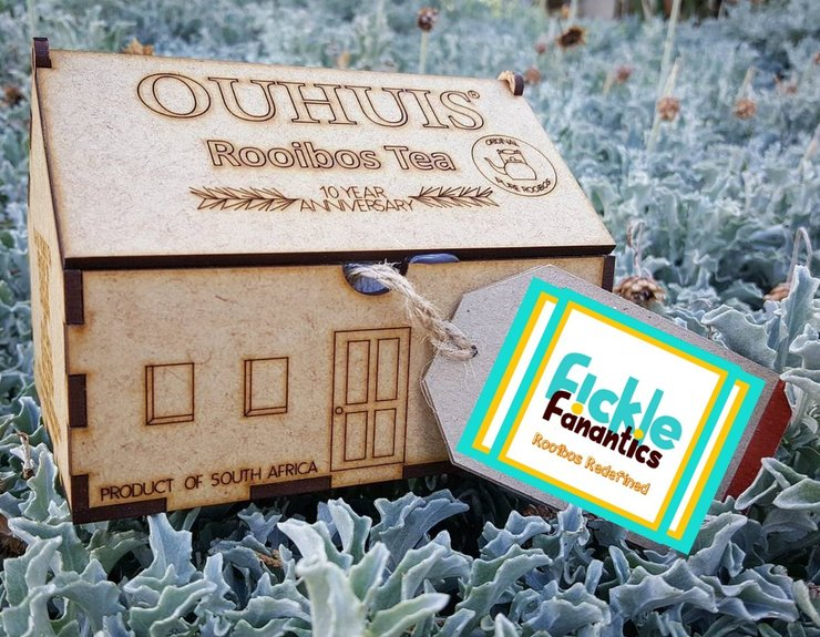 OUHUIS NATURAL ROOIBOS IN WOODEN BOX by Fickle Fanatics