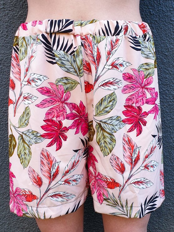 Pyjama shorts - pink flowers by La Farfalla