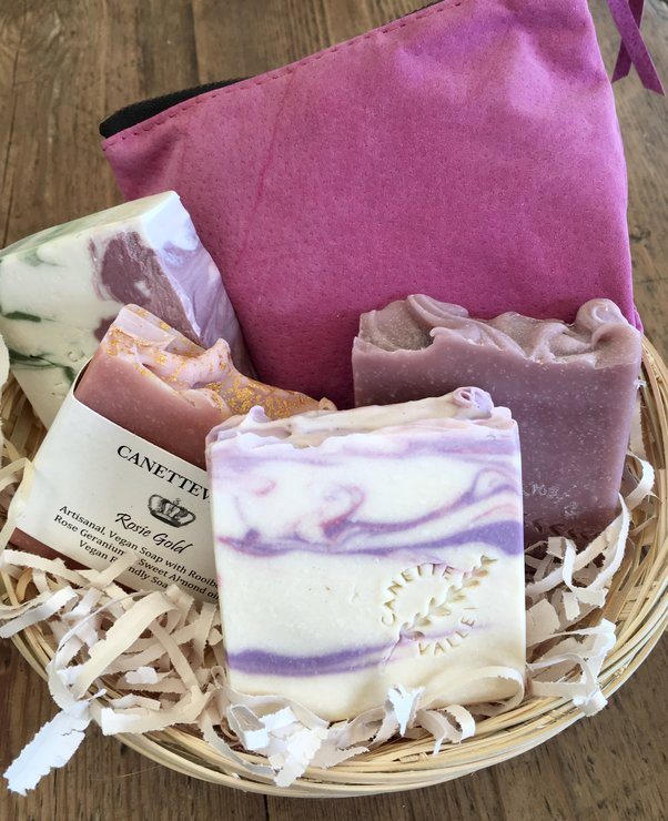 Pink Gift Basket by Canettevallei Lavender
