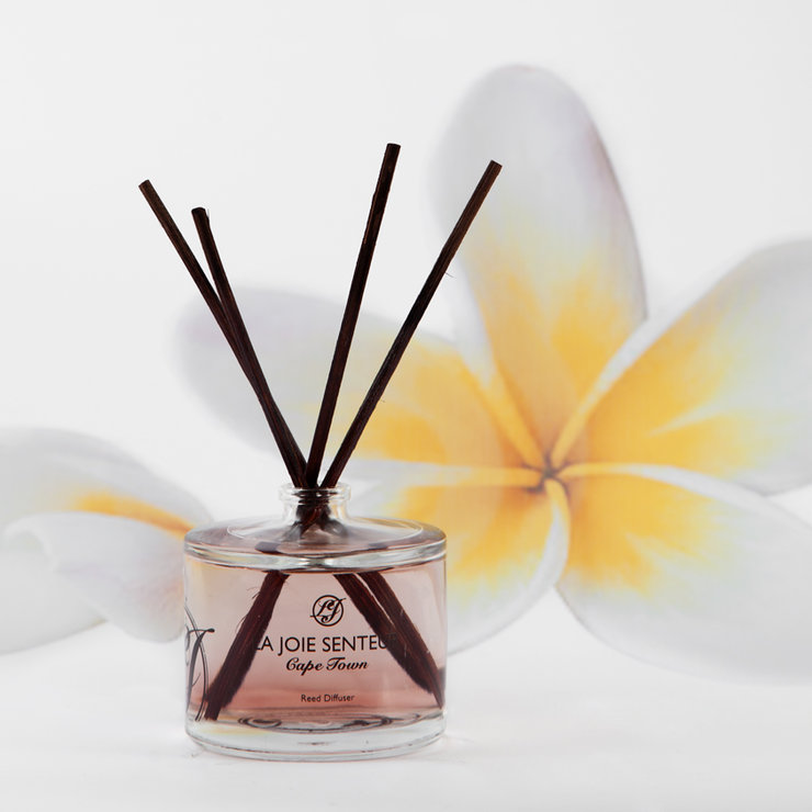 Polynesian Plumeria (floral) Reed Diffuser 50ml by Royale Afrique du Sud
