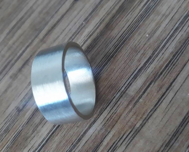Mens wedding band / plain band - 8.5mm wide by thula