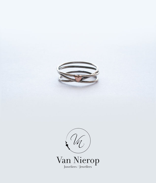 Sterling silver and Rose gold heart ring by Van Nierop Juweliers / Jewellers