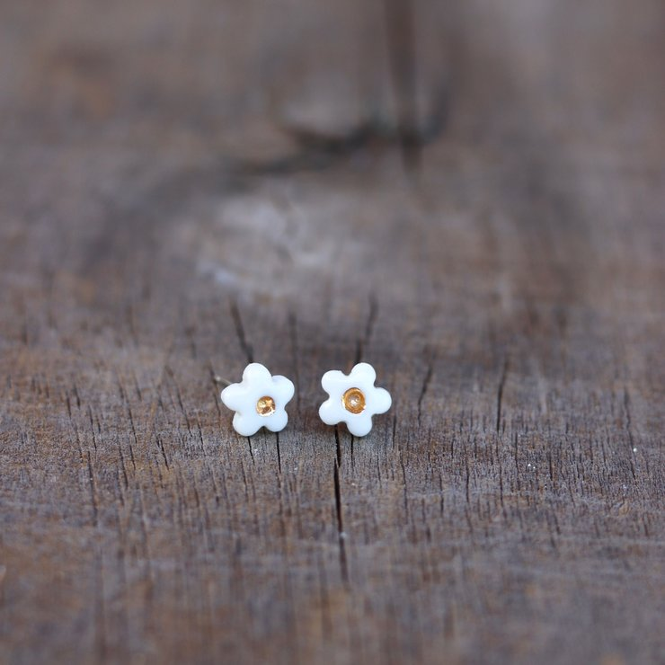 Earrings - Small white & gold flowers.  by Artisan Ceramics