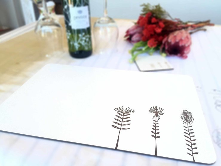 TRIO PROTEA PLACEMAT-SET OF 4 (M0336) by Miss Magpie