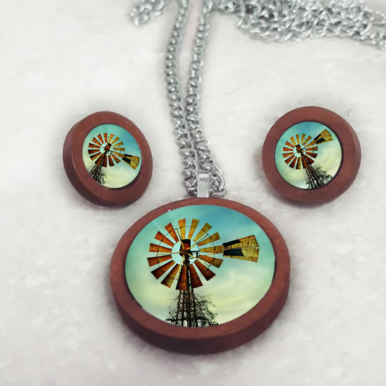 205 - Wooden Pendant & Earring Set by Neirac