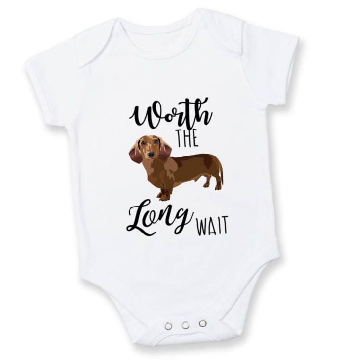 Worth the long wait dachshund onesie/PREGNANCY REVEAL onesie  /  Baby Grow / Baby Announcement Idea by Little Lion Cub Studio