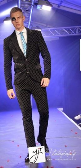YB8: Black, diamond pattern, velvet, 2-piece men's modern suit. by Yihan Brönn Couture