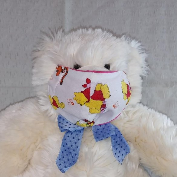 RD - Child Pooh bear on white