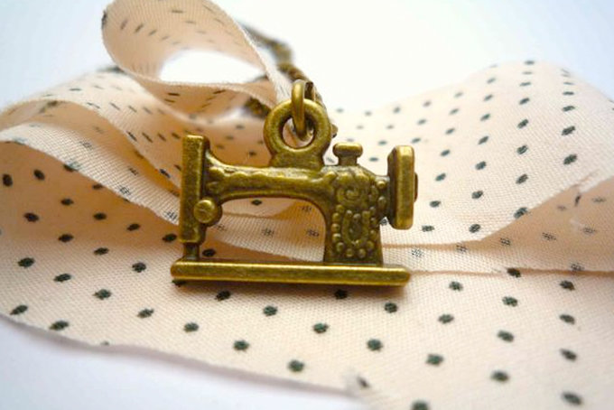 Sewing Machine 2 Necklace by Bow Peep